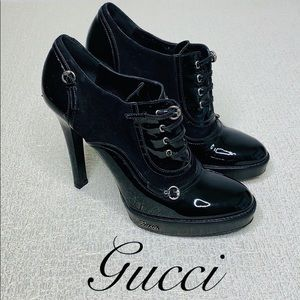 GUCCI PATENT AND SUEDE HEELED BOOTIE